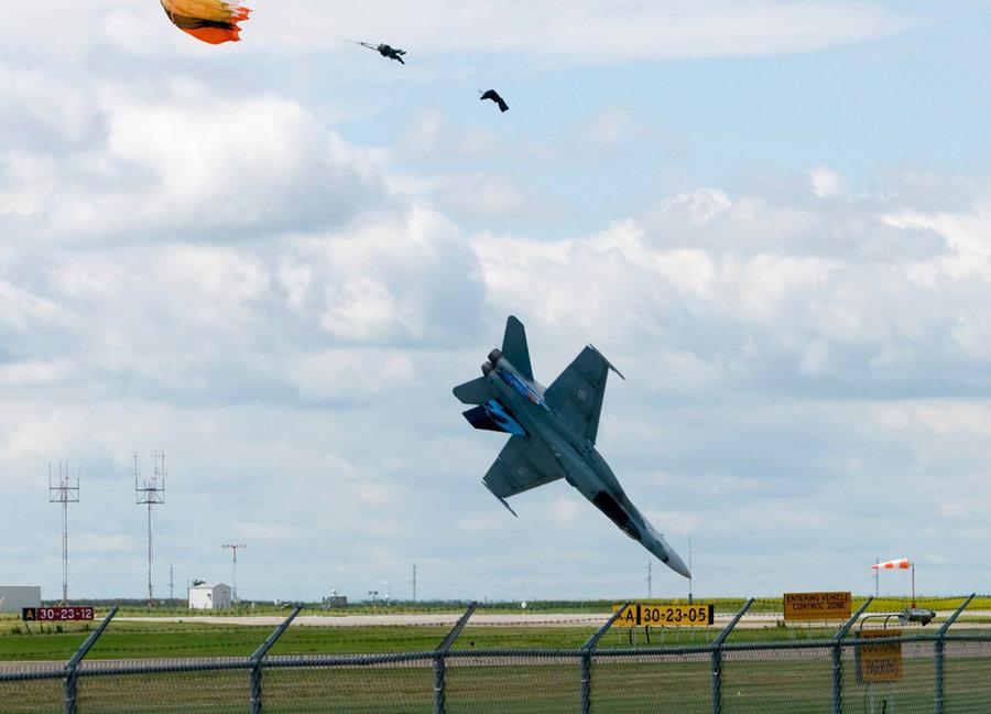 Падение CF-18